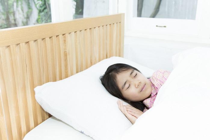 子ども寝顔jpg